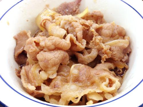 松屋 ソーセージエッグ定食 牛皿