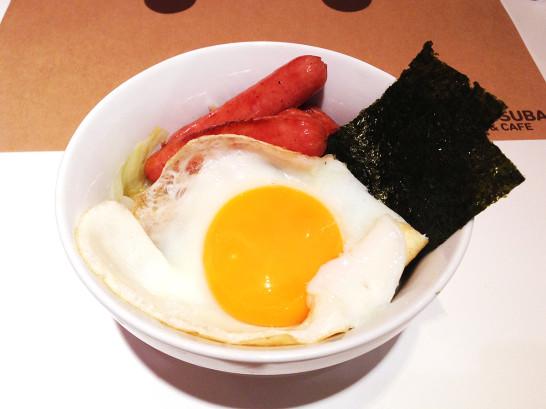 ソーセージ丼 ダンボー よつばと カフェ