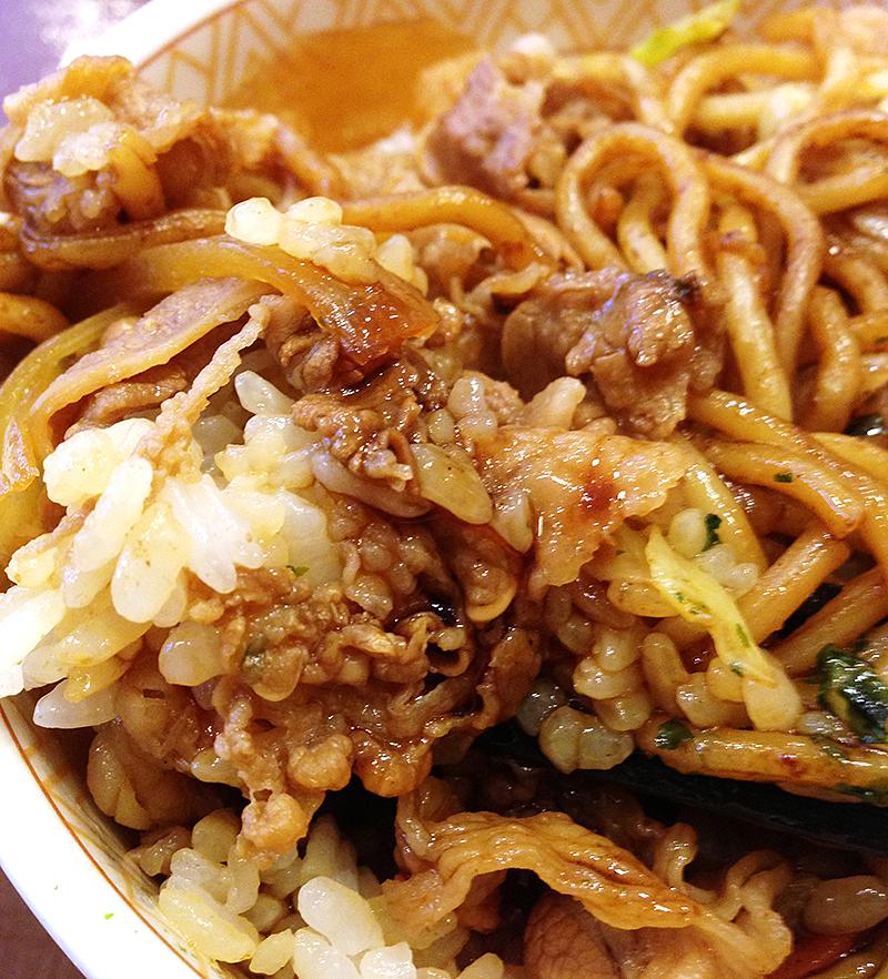 【新発売】すき家やきそば牛丼を食べてきた!(゚∀゚)キタコレ!!
