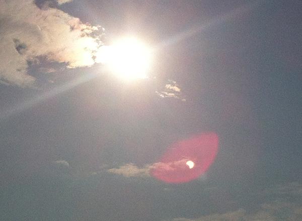 驚愕!iPhoneのカメラで金環日食が撮れていた!!