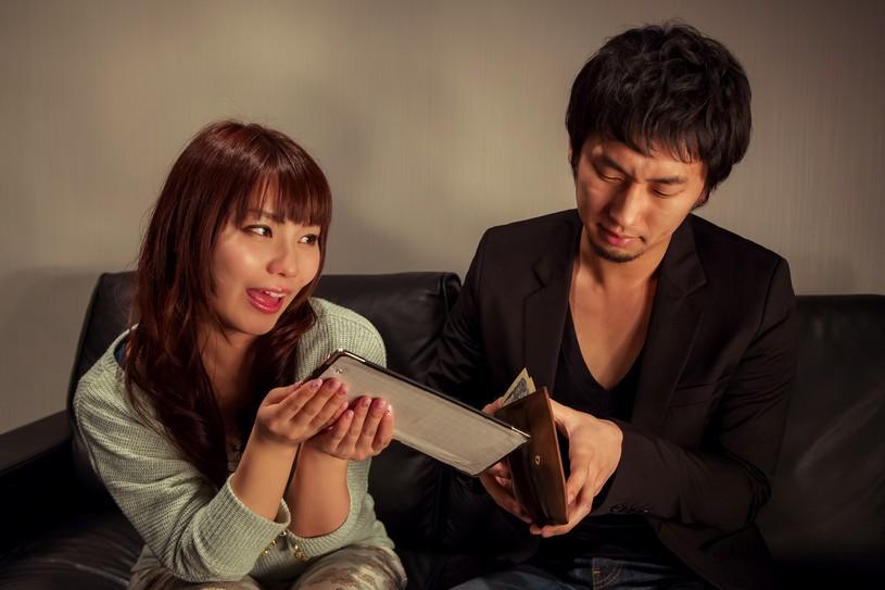収入印紙は税抜5万円からになったの知ってる?2014年4月1日から